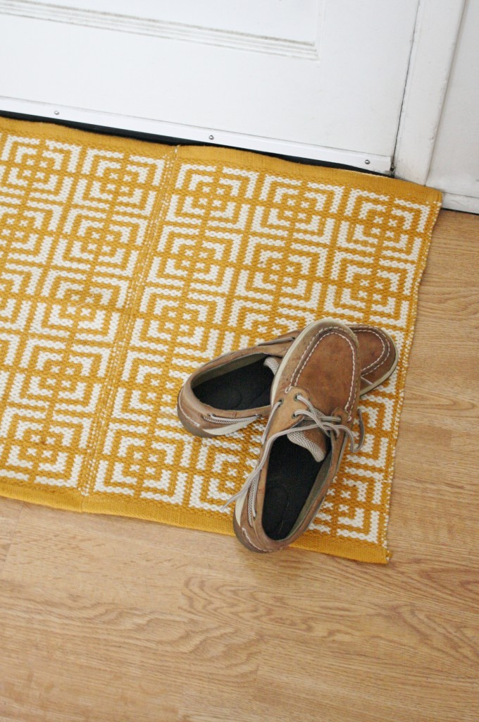 DIY rug made from placemats | yellow spool